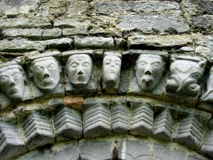 Carved heads, by Rob React