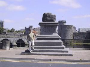 Treaty Stone, by hober