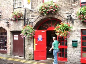 Isaacs Hostel, Dublin by jon gos